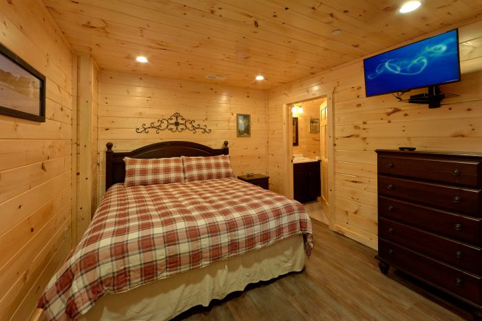 16 Bedroom 17 & 1/2 Bath Cabin Sleeps 66 - Big Vista Lodge