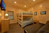 16 Bedroom Cabin with 2 Bunk Bed Rooms
