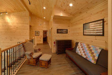 Top Floor Extra Seating Area - Big Vista Lodge