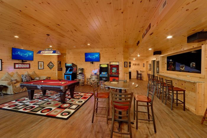 large Open Game Room with Pool Table - Big Vista Lodge