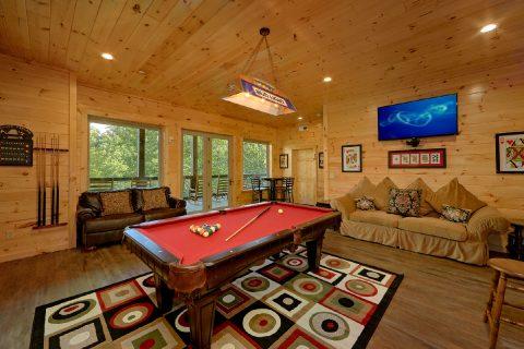Largge Flat Screen TV in Game Room - Big Vista Lodge