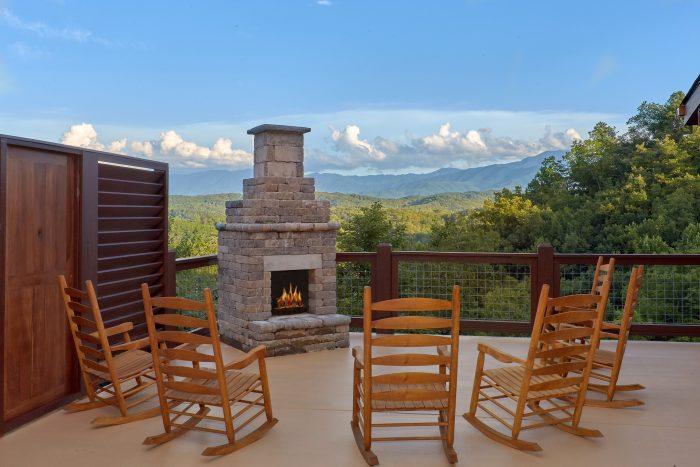 Outdoor Fireplace with Spectacular Views - Big Vista Lodge