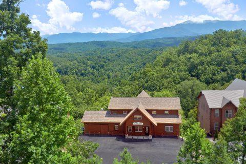 16 Bedroom 4 Story Cabin Sleeps 66 - Big Vista Lodge