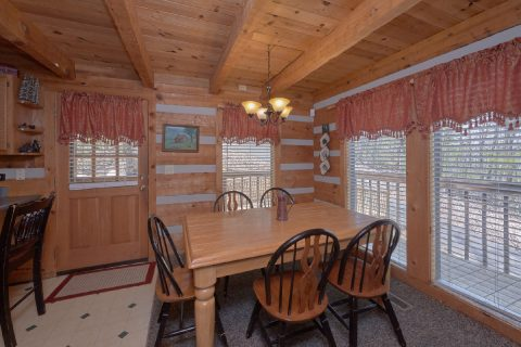 Wears Valley 4 Bedroom 3 Bath Cabin Sleeps 12 - Black Bear
