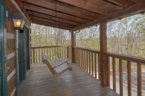 Large Deck with Swing 4 Bedroom Cabin - Black Bear