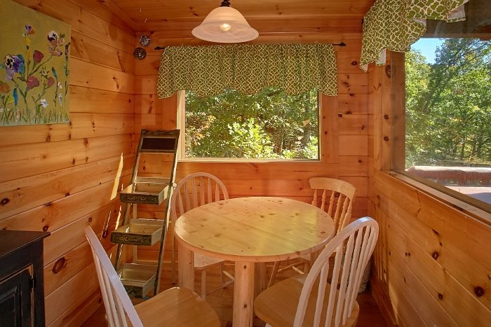 Gatlinburg Cabin with 2 Dining Rooms and View - BlueBaery Hill
