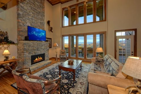 Living Area with floor to ceiling fireplace - Bluff Mountain Lodge
