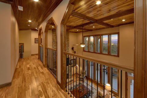 Luxurious Rental Home with Mountain Views - Bluff Mountain Lodge