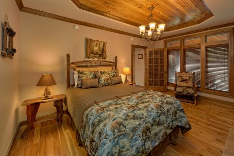 6 bedroom cabin with 2 private queen bedrooms - Bluff Mountain Lodge