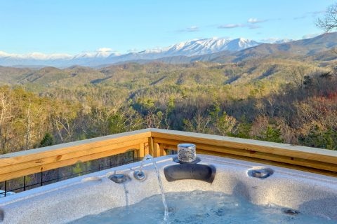 Mountain View and Hot Tub at Luxury cabin - Bluff Mountain Lodge