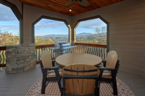 Luxurious Mountain Home with Gas grill and Views - Bluff Mountain Lodge