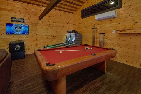 11 bedroom lodge with Game Room and Pool Table - Bluff Mountain Lodge