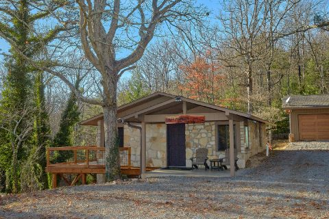 Full Kitchen in 5 bedroom Bluff Mountain cabin - Bluff Mountain Lodge