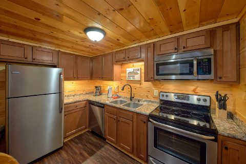 Cabin with Private King bedroom on main level - Bluff Mountain Lodge