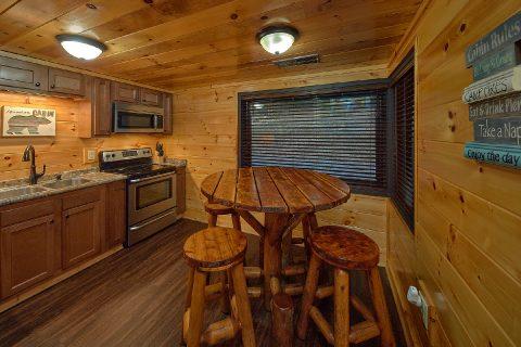 Master bath in 5 bedroom Bluff Mountain Cabin - Bluff Mountain Lodge