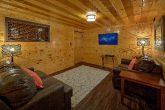 Queen bunk beds in 5 bedroom rental cabin
