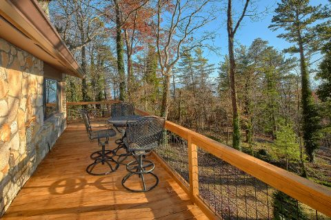 King Suite with private bath on Bluff Mountain - Bluff Mountain Lodge