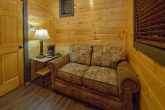1 bedroom cabin with love seat and Coffee maker