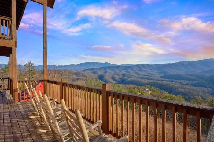 Breathtaker 5 Bedroom Smoky Mountain Cabin