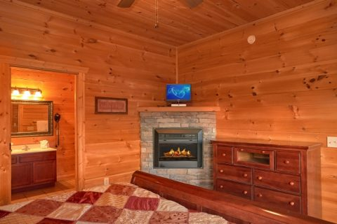 Theater Room Cabin with 5 King Beds & Fireplaces - Breathtaker