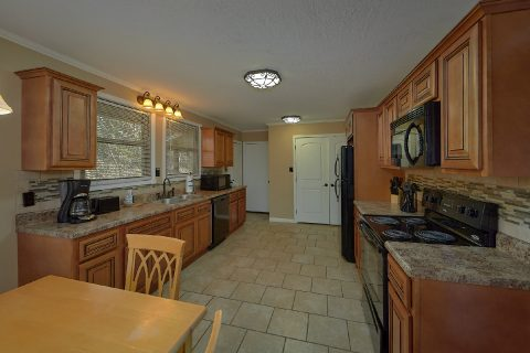 Fully Equipped Kitchen with WiFi - Byrd House