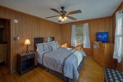 Smoky Mountain 2 Bedroom Cabin Sleeps 6 - Byrd House