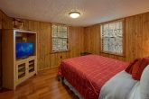Pigeon Forge 2 Bedroom Cabin with Queen Bed