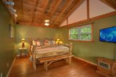 Luxury Cabin with Spacious King Bedroom