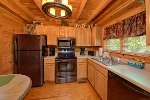 Resort cabin with 2 bedrooms and full kitchen - Candle Light Cabin
