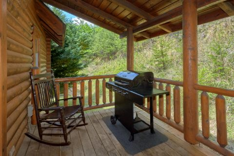 2 Bedroom cabin with Gas Grill and Hot Tub - Candle Light Cabin