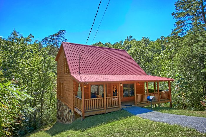Premium 2 Bedroom Cabin with Theater Area - Can't Bear To Leave