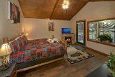 Main Floor Master Suite 2 Bedroom Cabin Sleeps 8