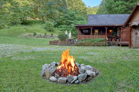 Fire Pit Secluded 2 Bedroom 2 Bath Sleeps 8 - Can't Bear To Leave