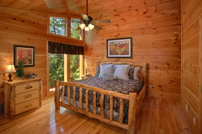 2 Bedroom Cabin with Spacious Master Suite - Can't Bear To Leave