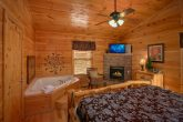 Cabin with MAster Suite, Fireplace and Jacuzzi