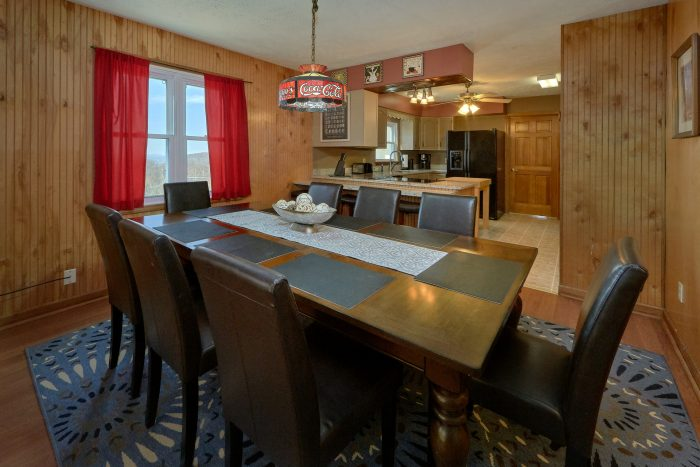 Large Spacious Dining Room 5 Bedroom Cabin - Casa Blanca