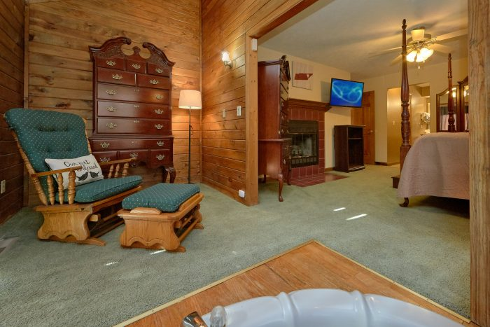 Master Suite with Extra Seating - Casa Blanca
