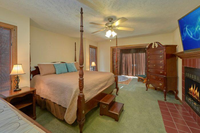 Jacuzzi Tub Master Suite 5 Bedroom Cabin - Casa Blanca