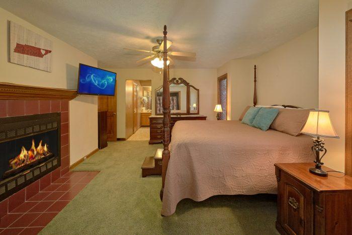 Walk in Shower Main Floor Master Suite - Casa Blanca