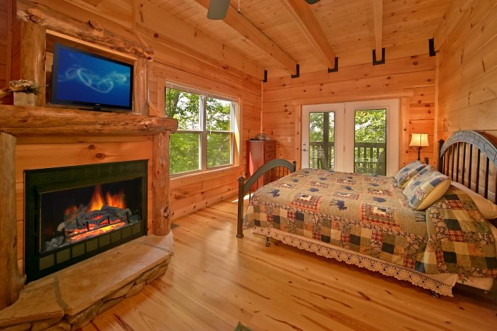 Cabin with King Suite and fireplace - Catch A Star