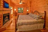 Cabin with 3 King Suites and 3 private baths
