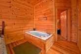 Cabin with 3 jacuzzi tubs