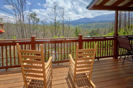Beary Dashing: 2 Bedroom Gatlinburg Cabin Rental