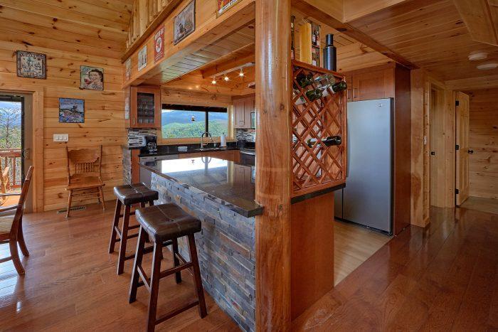 Gatlinburg Cabin Rental with KItchen and Bar - Charming Charlie's Cabin