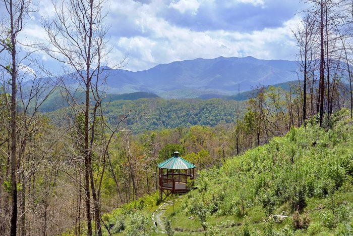 Gatlinburg Cabin with Gazebo and Mountain Views - Charming Charlie's Cabin