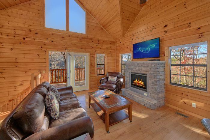 3 Bedroom Cabin in Hidden Springs Sleeps 7 - Cheeky Chipmunk Getaway