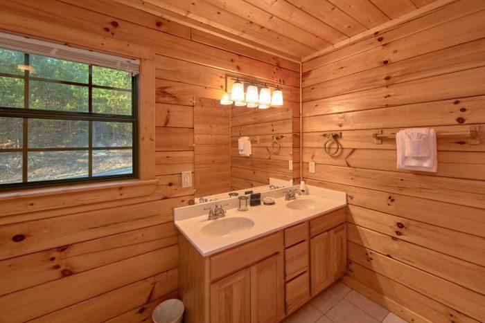 3 Bedroom Cabin Sleeps 7 Hidden Springs - Cheeky Chipmunk Getaway