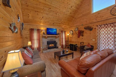 2 Bedroom Cabin with a Fireplace - Cherokee Creekside