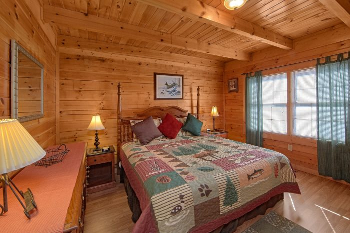 2 Bedroom Cabin with 2 Private Bedrooms - Cherokee Creekside