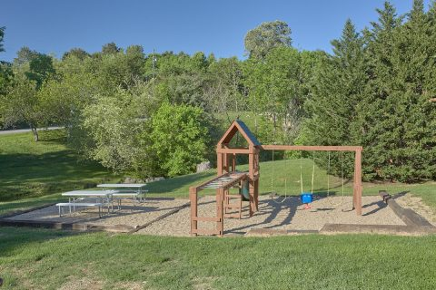2 Bedroom Cabin in a Resort with a Playground - Cherokee Creekside